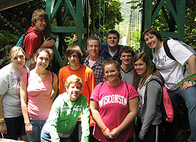 Student groups are always welcome in Costa Rican communities